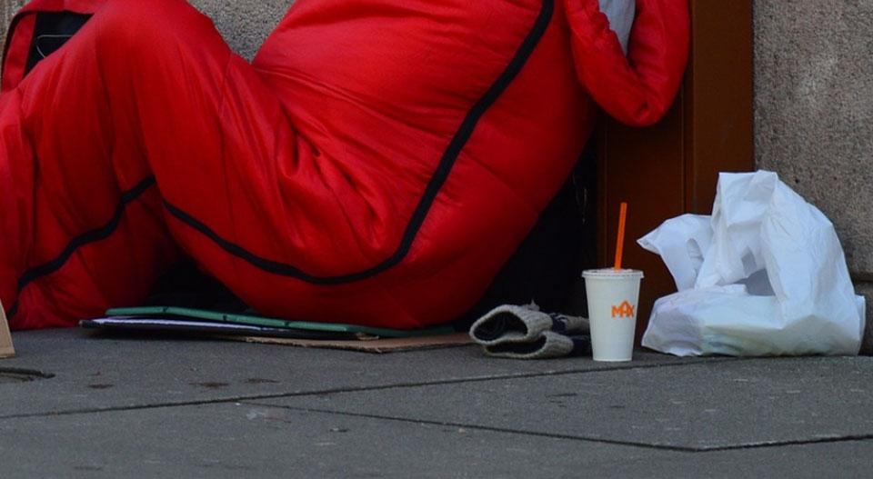 정부가 노숙인 등 한파 취약계층에 개인 난방용품을 지원하기로 했다. (사진=Pixabay)