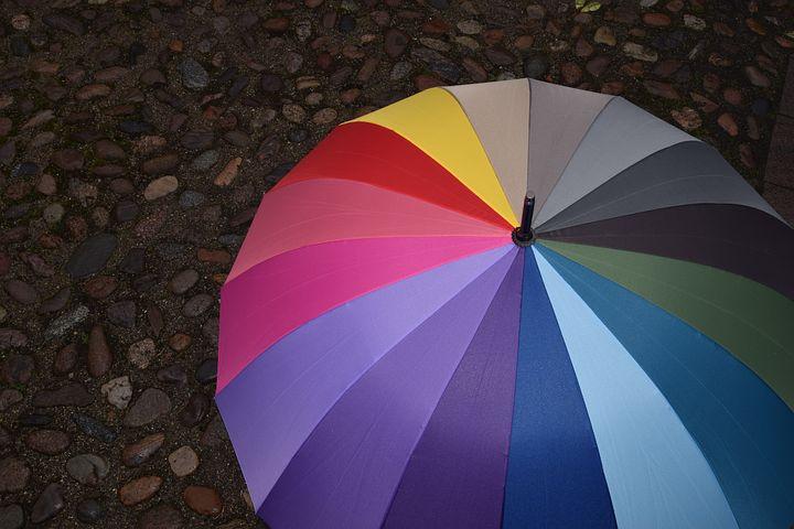 우산이나 양산은 철, 비닐, 플라스틱 등으로 재활용이 가능하다. 분리배출은 까다로운 편이지만 잘 분리해 배출하면 대부분 재활용이 가능하다.(픽사베이 제공)/그린포스트코리아